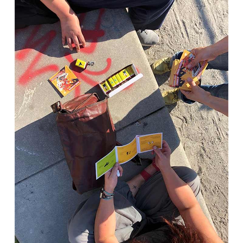 Zu den Kippen-Buddies haben wir auch ein Park-Knigge herausgebracht.