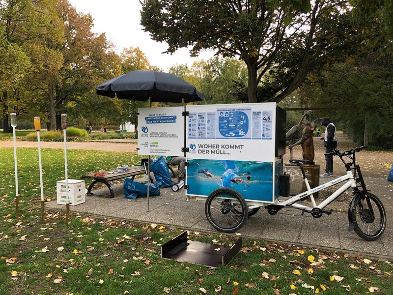 AIF-Infomobil im Treptower Park